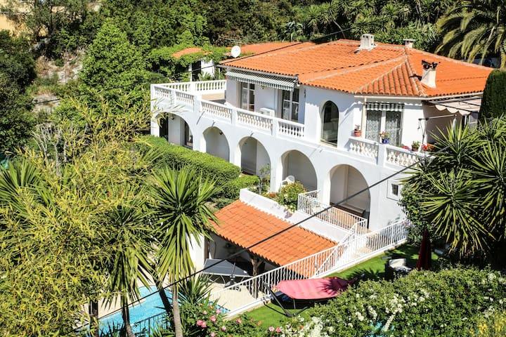 Magnifique maison vue mer - Aspremont - Hus