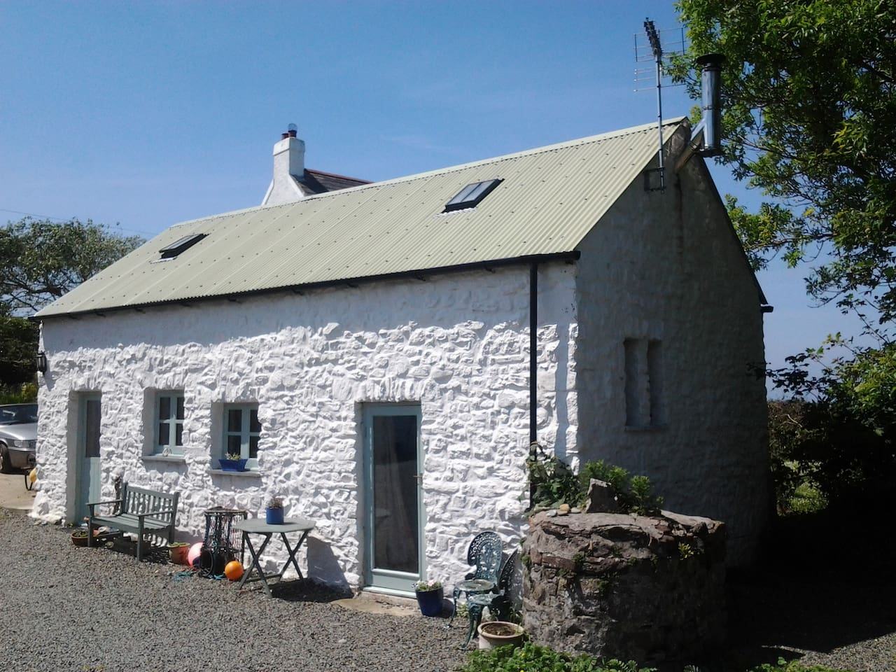 A cute, cosy cottage perfect for a couple or a small family.
