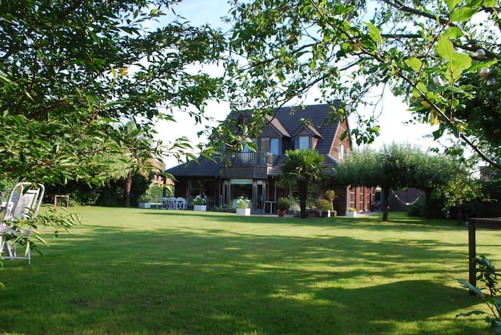 Villa bois red cedar 15 personnes - Marcq-en-Barœul - Villa