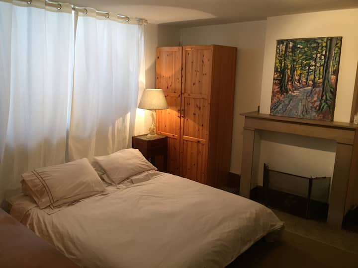 Heart  EU HQ  Private Room+Bathroom+Working Space