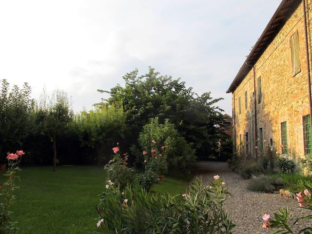 La vostra casa nel verde piacentino - Carpaneto Piacentino - Villa