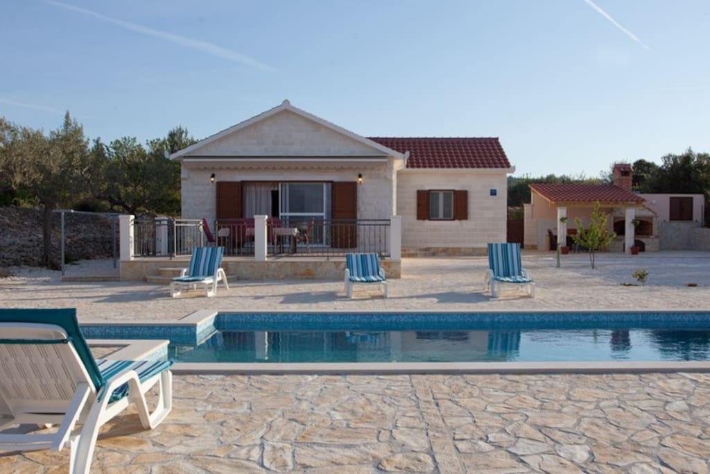 Holiday home MIRCA, Brac island, villa with open private swimming pool