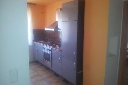 Ferien- / Monteur-/Zimmervermietung - Holzmaden - 公寓