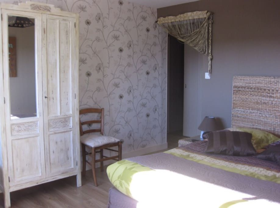 chambres d 39 h tes saint alban en loz re bed and breakfasts for rent in saint alban sur. Black Bedroom Furniture Sets. Home Design Ideas