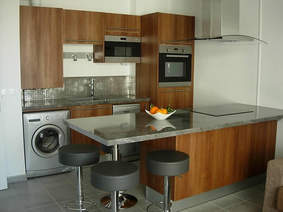 T2 marseille avec garage priv appartements louer for Prix garage marseille