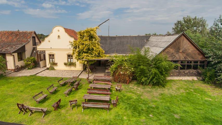 Granny's Resort - Palić