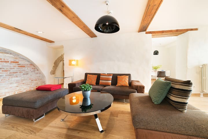 Premium 2 bedroom in the Old Town