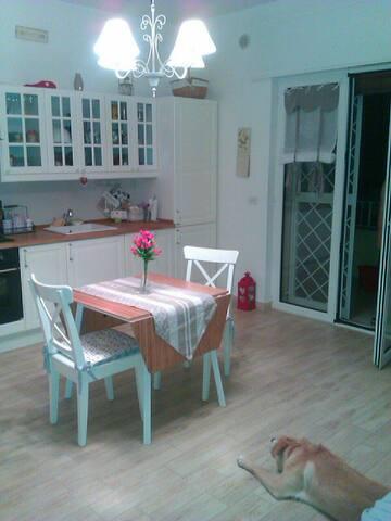 Romantico bilocale stile country - Bari - Appartement