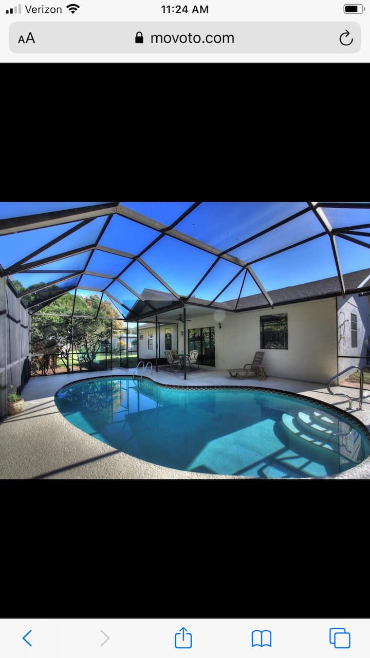Family friendly with a pool!  Clean! Spacious!