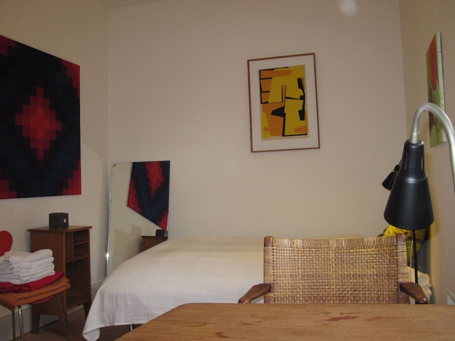 Beautiful lodging close to cph 1 chambres d 39 h tes for Chambre design danois