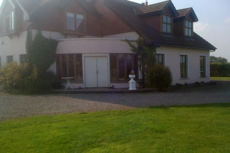 Winterberry Lodge, Pelletstown, - Drumree