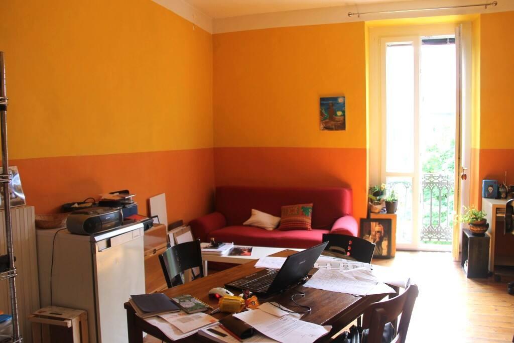 Parte della stanza_II: The sofa! (scusate per il disordine ma lavori in corso!)
