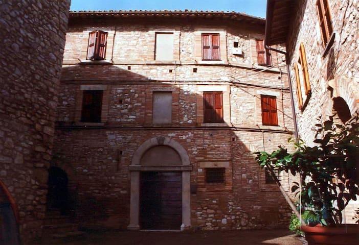 Appartamento in Palazzo Storico - Todi - Apartment