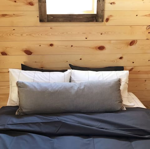Bedroom 2: Queen size Casper mattress & luxury Brooklinen sheets, closet for storage.
