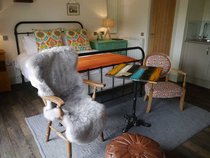 The Sabhal - Button Room  @ 40 Bernisdale