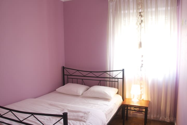 Double bed room - Shared bathroom - Ponte da Barca - Haus