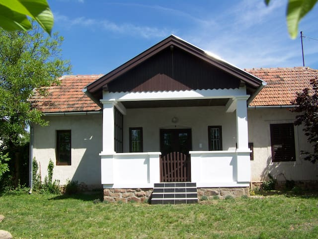 "The ""Small House"" - Révfülöp - Chatka"