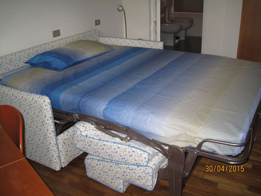 Double bed open