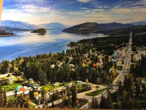 Shuswap Lake Motel and Resort sleeper unit