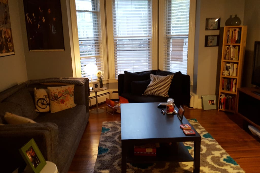 Livingroom with cable