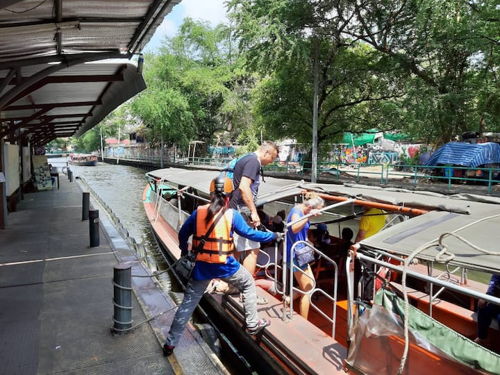 Experience Taxi Boat
