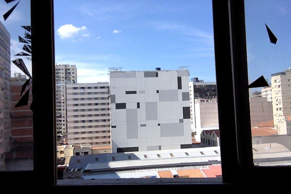 sem prédio na frente da janela