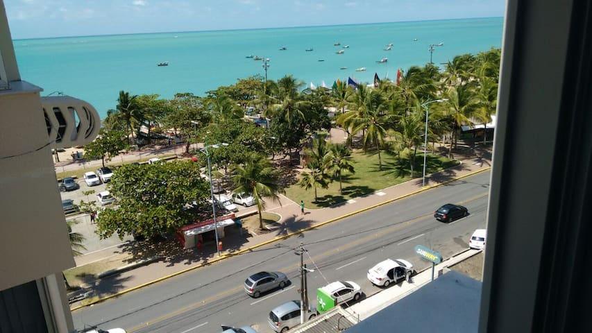 Prédio beira mar, praia de Pajuçara - apto 703