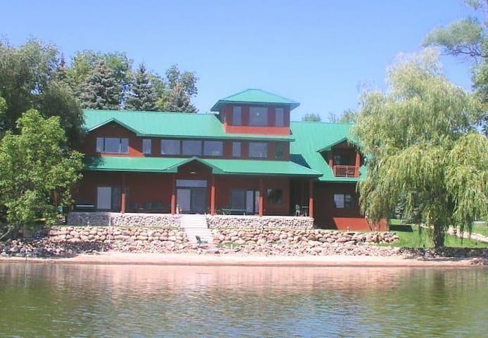 Spectacular Vacation Lake Home Get Away - Howard Lake - Haus