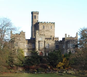 Stay in a Castle - Hornby - Bed & Breakfast