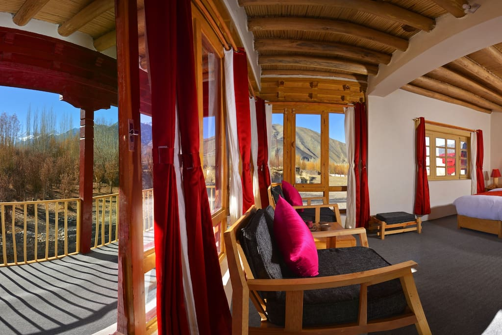 This suite is named after the mighty Stok Kangri as it overlooks the summit of Mt. Stok on one side and Stok monastery and palace on other.
