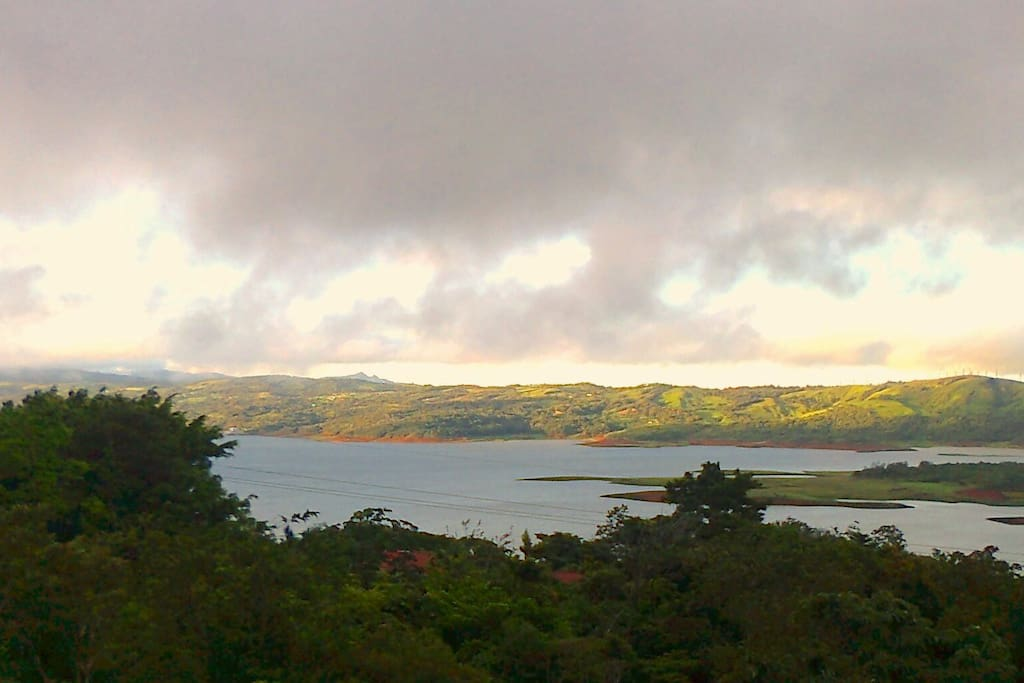 A view of lake ARENAL, walking down fromLA CUSUCA!