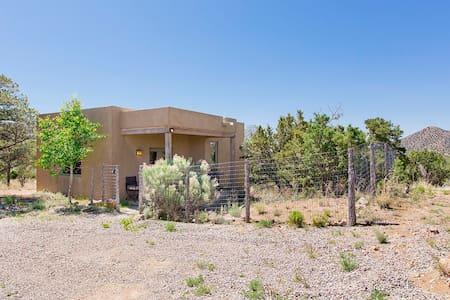 Private Santa Fe casita! Views, privacy, charming! - Santa Fe