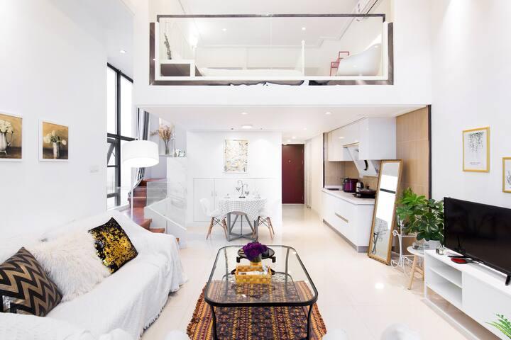 毗邻松江大学城的现代Loft公寓