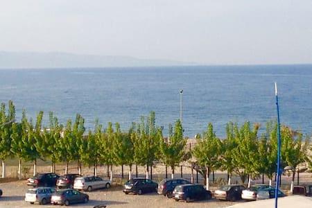 Appartamento fronte mare - Schiavonea - Lejlighed