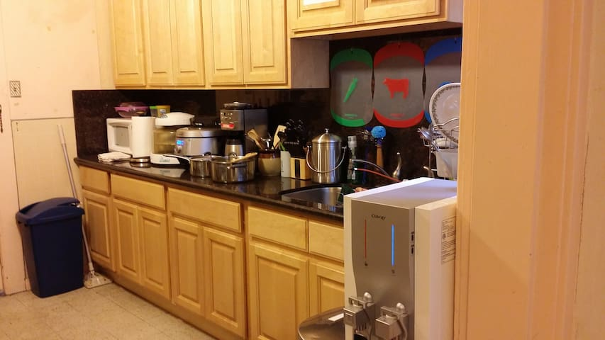 Coffee maker, toaster, hot air oven and rice cooker