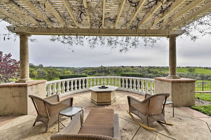 This property boasts incredible views over the valley!