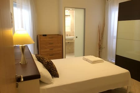 New Central Designer Apartment - Saint Julian's