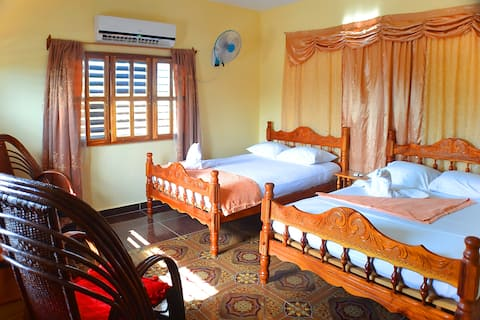 Bed Room with 2 double bed - True Cuban familly