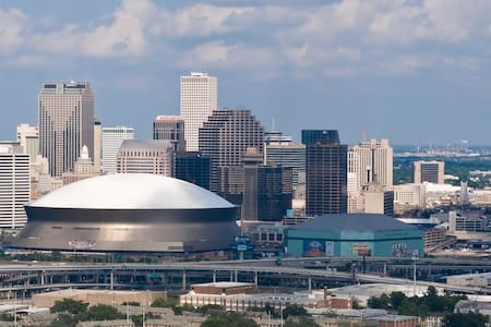 In the Heart of New Orleans! UL2