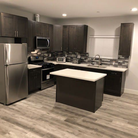 Full Size Brand New Modern Kitchen