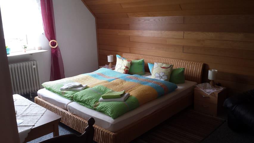Am See: Doppelzimmer mit Garten - Xanten - House