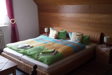 Am See: Doppelzimmer mit Garten - Xanten