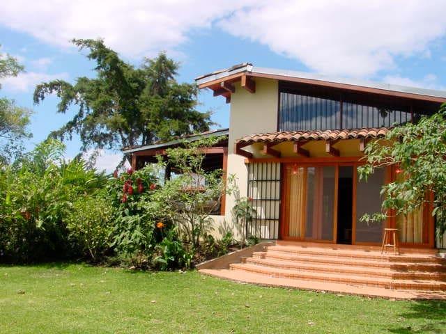 Pristine Paradise Garden Apartment - Santo Domingo de Heredia - Gjestehus