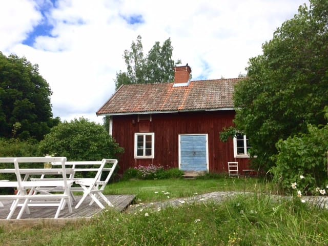 Cottage on island Sankt Anna archipelago