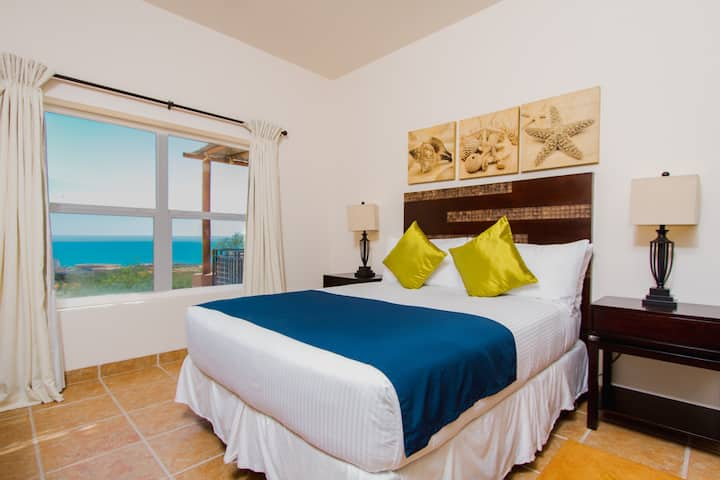 Puerta Cortés. 4 Bedroom Ocean View Villa.