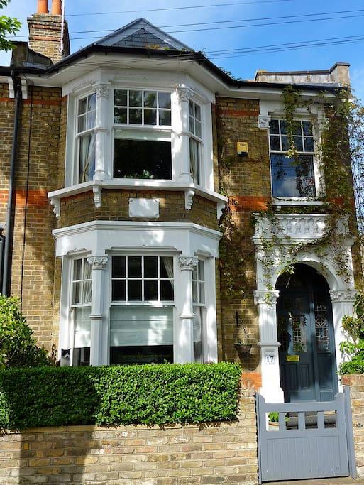 charming period victorian house h user zur miete in london vereinigtes k nigreich. Black Bedroom Furniture Sets. Home Design Ideas