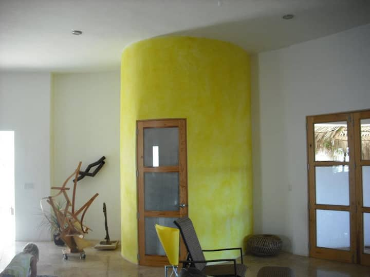 Pescadero Round House