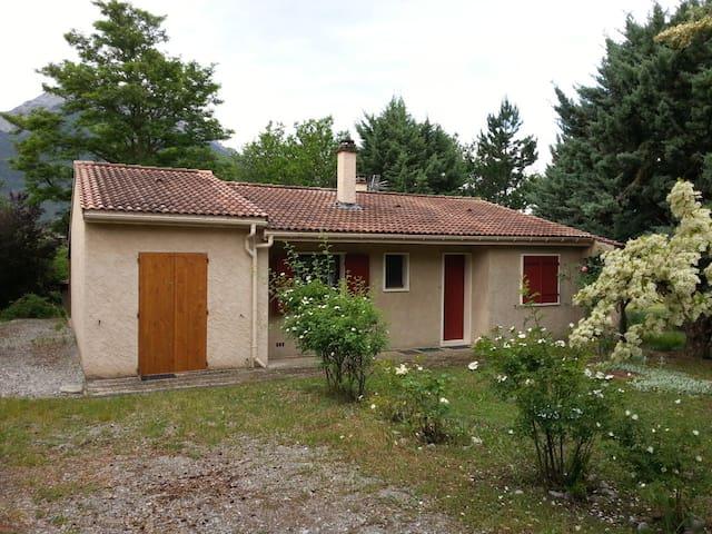 Maison de vacances à la campagne - Savournon - Casa