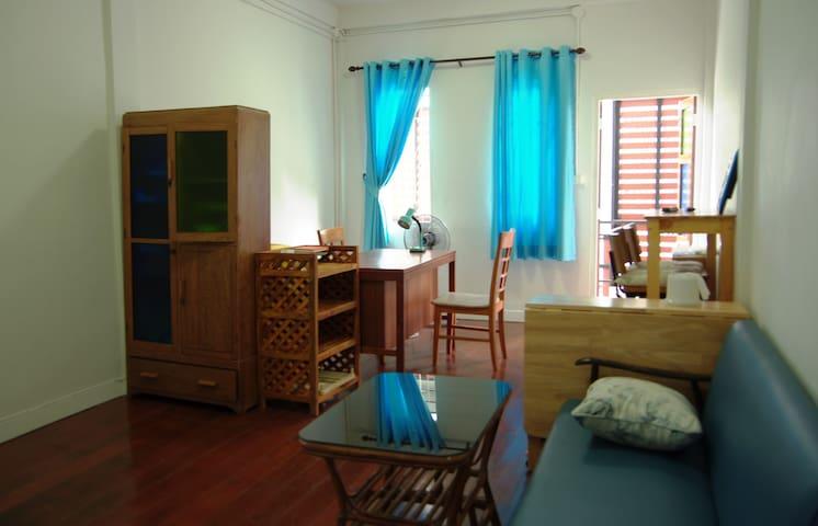 Thonburi2: Private Room next to BTS, A/C, wifi - Thonburi