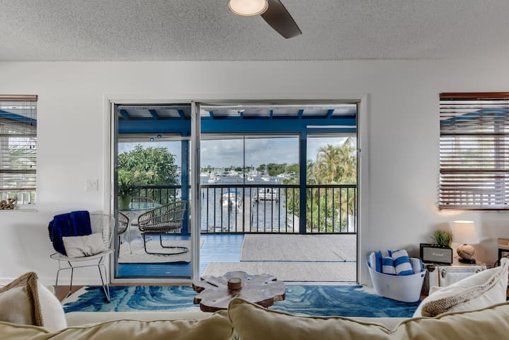 Manatee Pocket Waterfront 3 bed- Kayaks, BBQ, WiFi